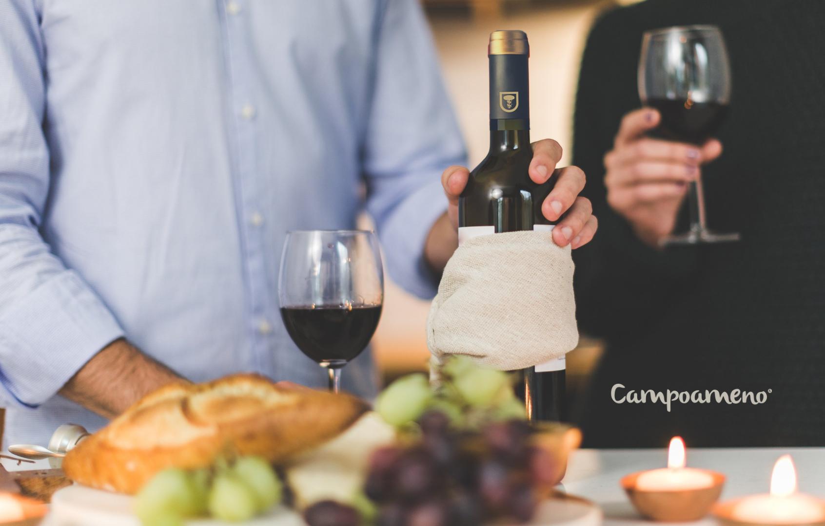 Al pan pan y al vino vino